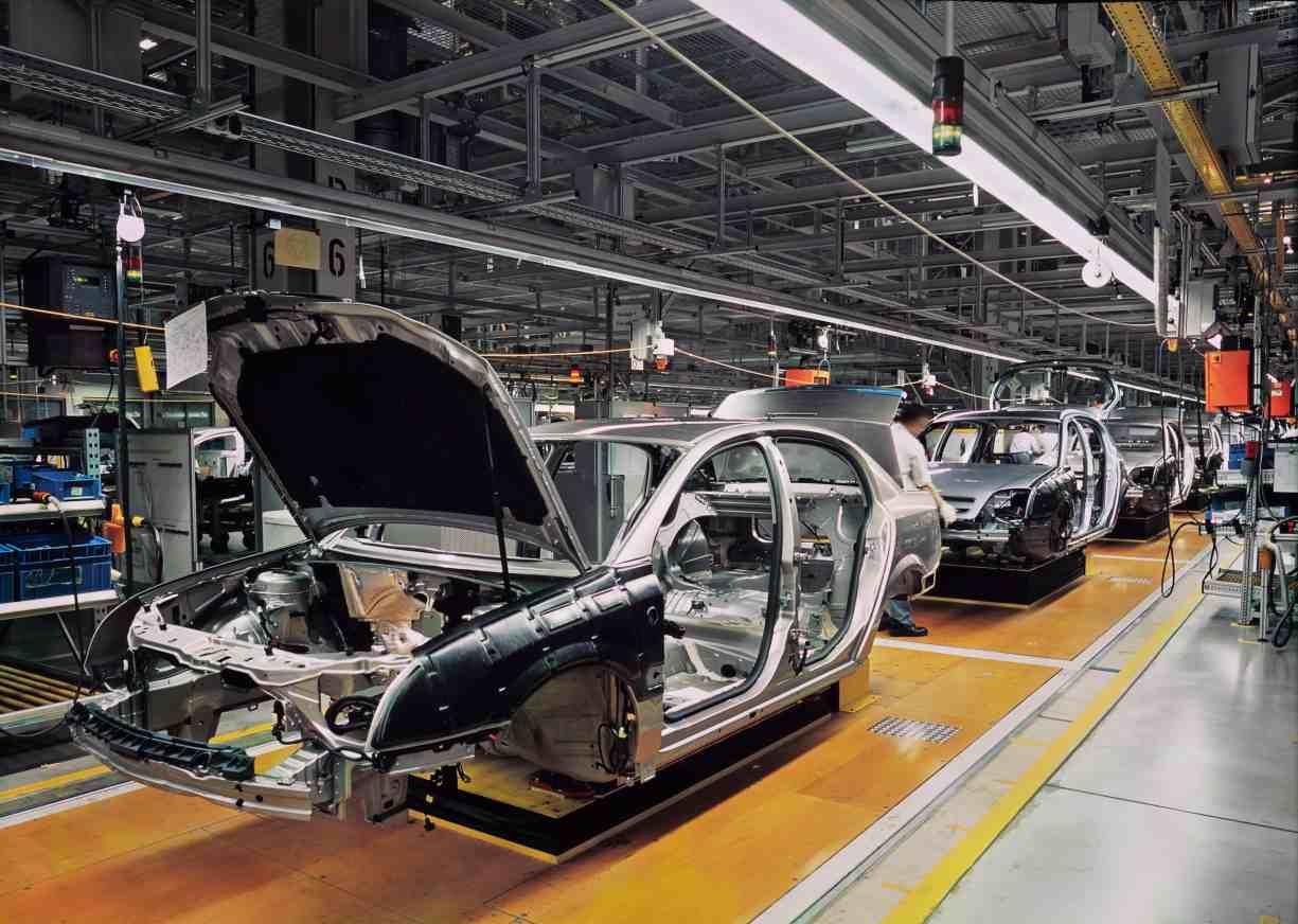 PRINCIPAL car-production-line-538617741_1225x872